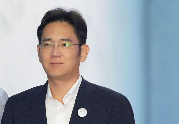 Lee Jae-yong, Samsung Group heir arrives at Seoul Central District Court to hear the bribery scandal...