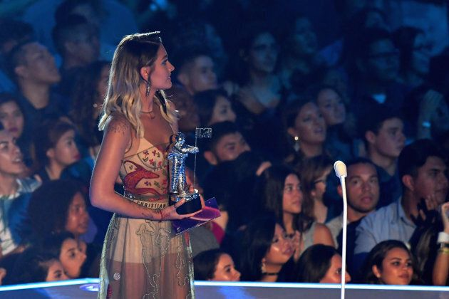Paris Jackson called out racists while presenting at the MTV VMAs on