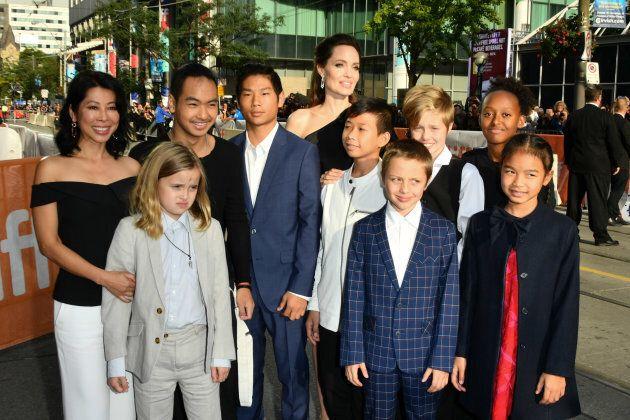 Vivienne Jolie-Pitt, Maddox Jolie-Pitt, Pax Jolie-Pitt, Kimhak Mun, Knox Jolie-Pitt, Shiloh Jolie-Pitt,...