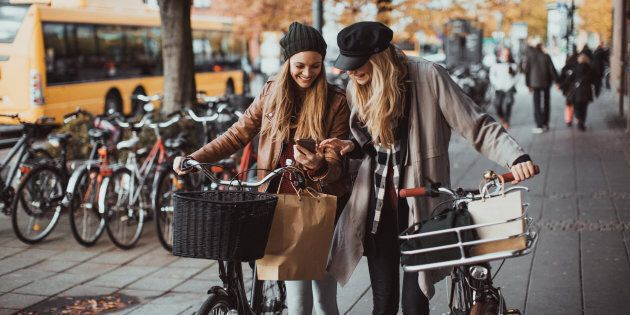 The Best Online Clothes Sites for Canadians Shopping For Fall