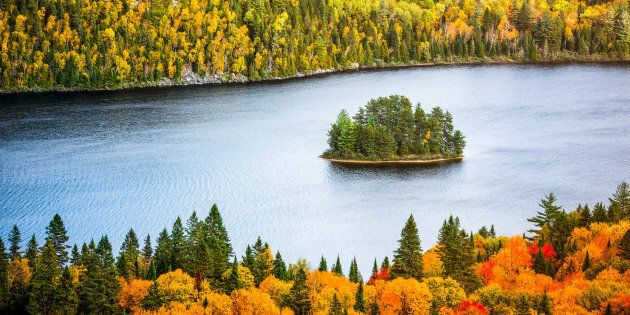 The beauty of Autumn colors, as seen in the surroundings of Île aux pins (Pine Island), in La Mauricie National Park situated near Shawinigan, Quebec.
