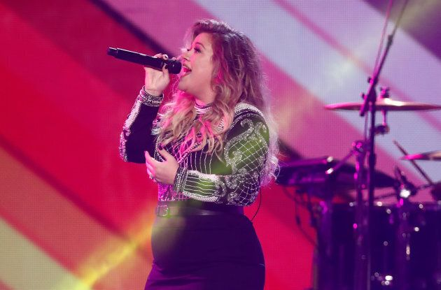 Kelly Clarkson performs during the closing ceremony for the Invictus Games.