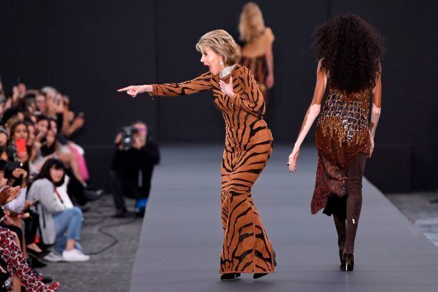 Jane Fonda at the L'Oreal fashion on the sidelines of the Paris Fashion Week on October 1, 2017, on a...