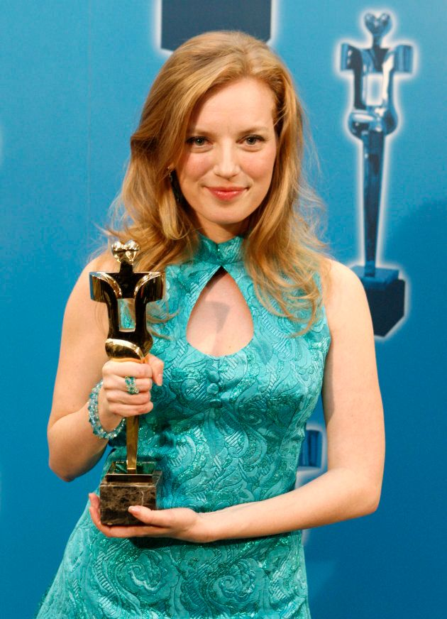 Sarah Polley poses with her award for her work in