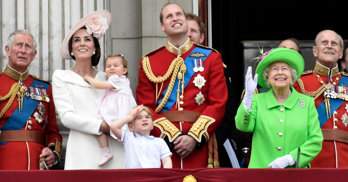The Royal Family Still Has To Follow These 8 Customs