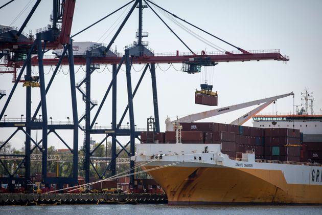 트럼프가 협상 도중 2000억달러어치 중국산 제품 관세를 25%로