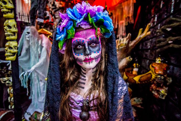 8212705d896 What You Need To Know Before You Put On Mexican Sugar-Skull Makeup ...