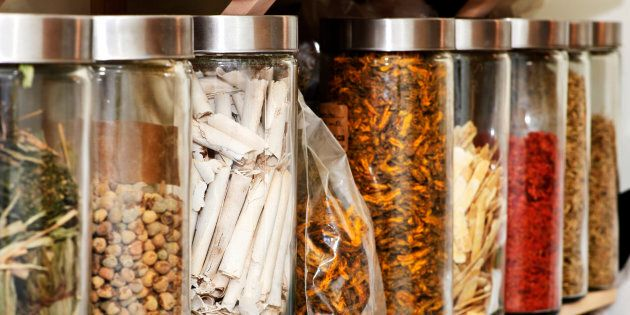 Traditional chinese medicine herbs and remedies in