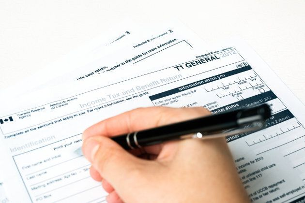 Filling out a 2012 Revenue Canada General T1 tax