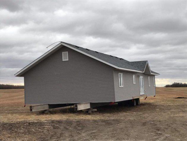 Saskatchewan Teacher Finds Random House On His