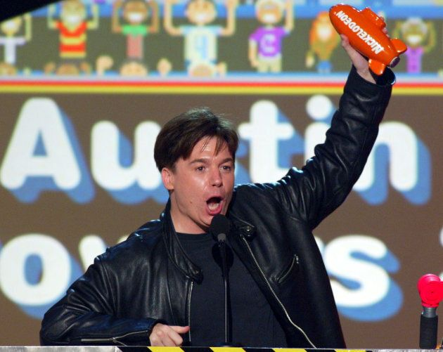 Mike Myers accepts his award for favorite movie for his film