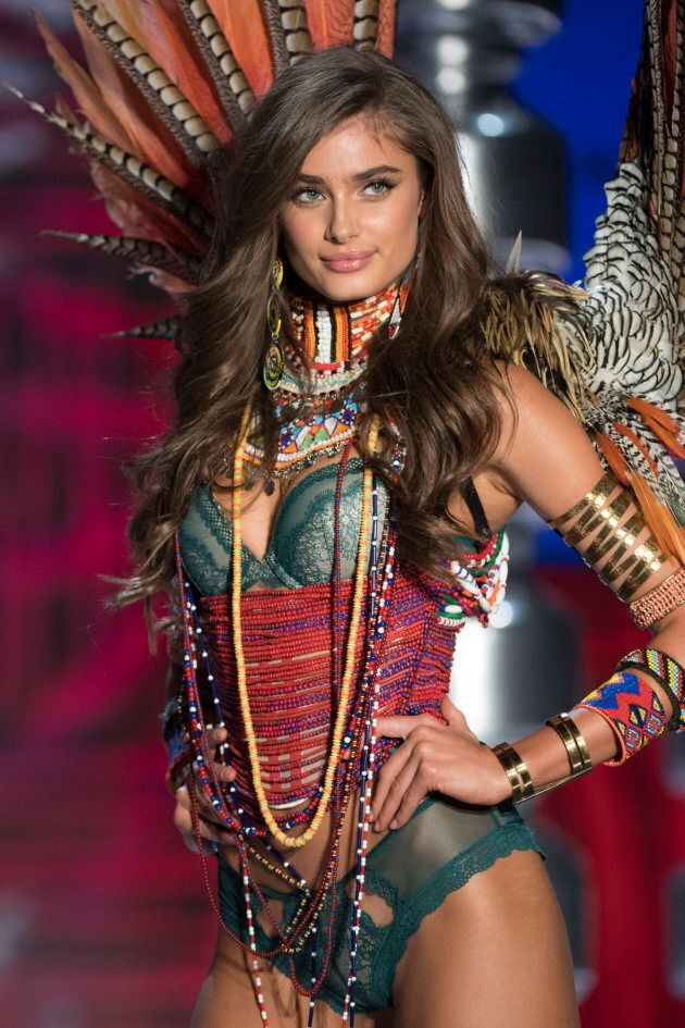 Model Taylor Hill walks the runway of the 2017 Victoria Secret Fashion show on November 20, 2017 in Shanghai,