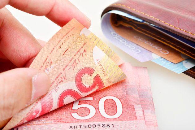 Wynne's Tiny Tax Cut Won't Save Small Businesses From $15 Minimum