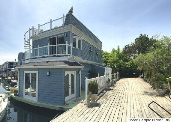 Life On A Floating House: A Tour of Toronto Float Homes In Bluffers Park