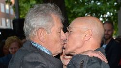 Magneto And Professor X Kiss And Make
