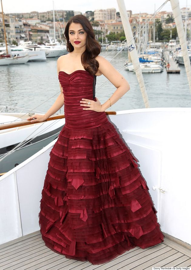 Aishwarya Rai Delivers The Drama At Cannes Film Festival In Stunning