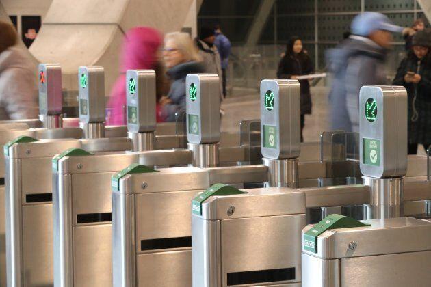New Presto machines on Toronto's subway