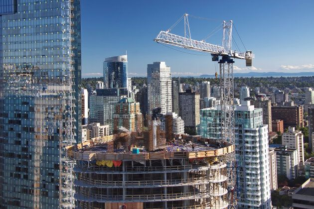 Construction of high-rise building in downtown