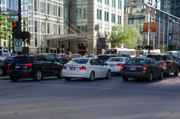 Heavy traffic and solo drivers contribute to a decrease in Montreal's air quality.
