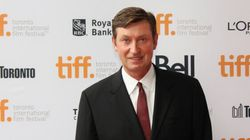 All The Times Wayne Gretzky Looked Like A Boss Off The