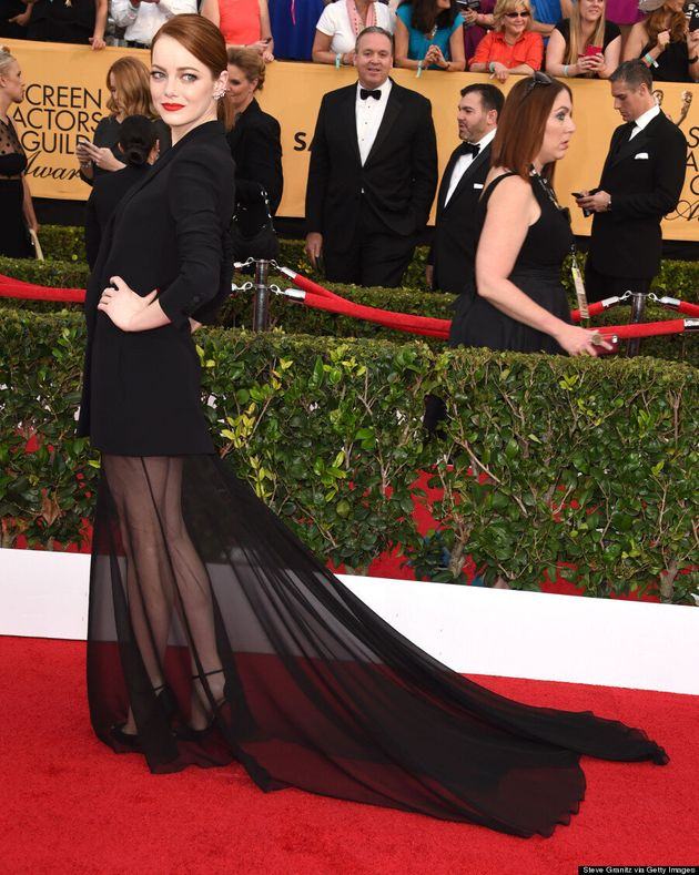 Emma Stone's 2015 SAGs Dress Almost Injures Naomi