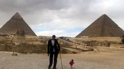 Shortest Woman Alive Tours Egypt's Pyramids With Tallest Man