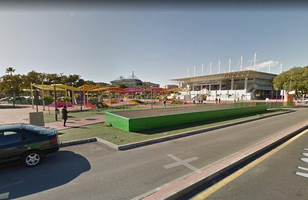 Los alrededores del pabellón deportivo y el parque donde tuvo lugar la agresión