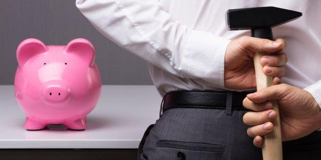 RRSP Season 2018: Canadians Raiding Their Retirement Plans For 'Short-Term Needs,' Survey