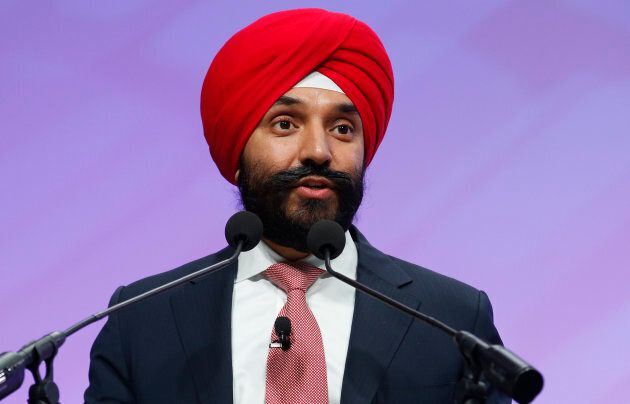 Minister of Innovation, Science and Economic Development, Navdeep Bains, introduces Blackberry CEO John...