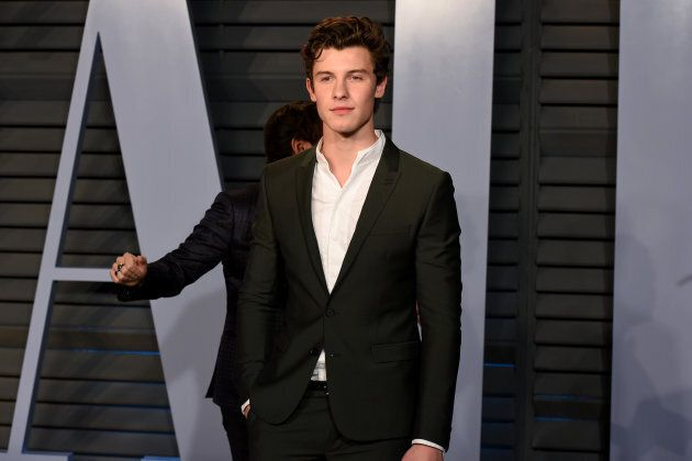 Shawn Mendes attends the 2018 Vanity Fair Oscar Party hosted By Radhika Jones on March 4,