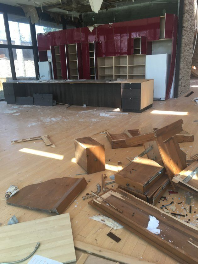 Photos show the interior of 4 Birchmount