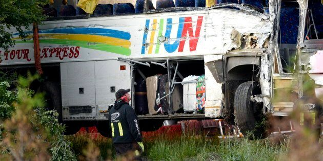 Highway 401 Bus Crash: 2nd Chinese Tourist Dies In Hospital