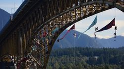 Dangling Trans Mountain Protesters Removed From Vancouver