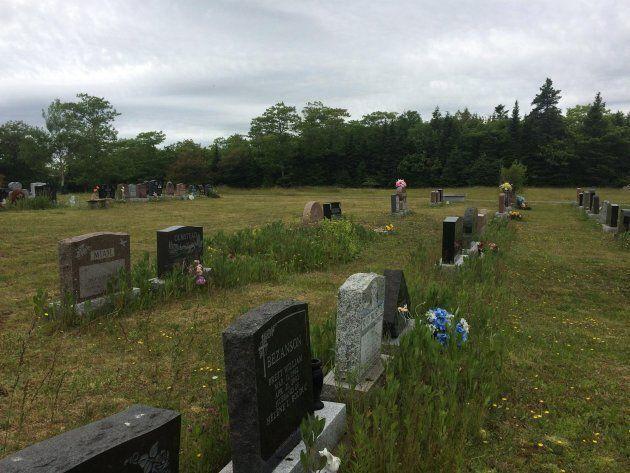 Sunrise Park Inter-Faith Cemetery is a Halifax-area graveyard offering environmentally-friendly burial...