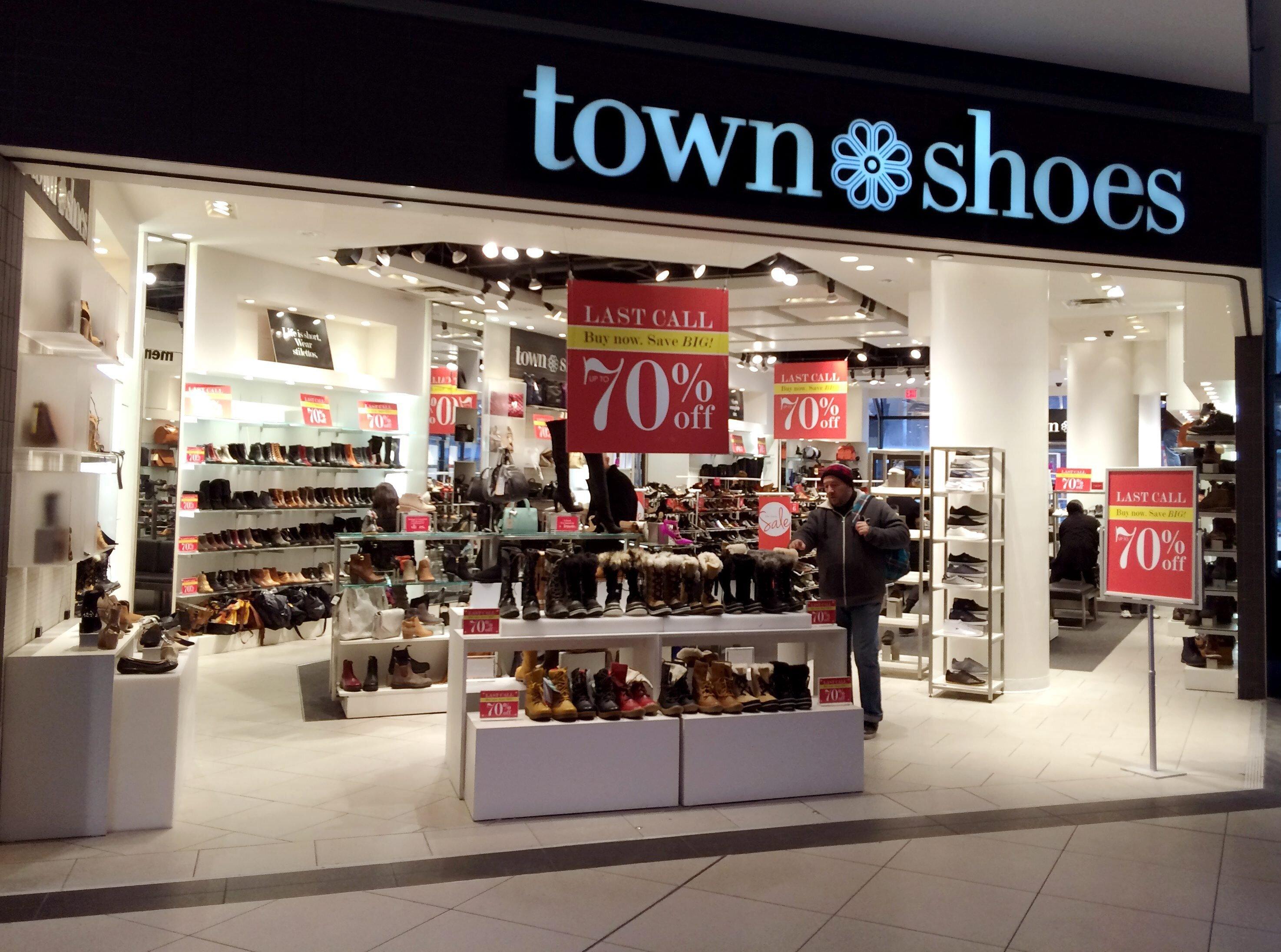 shoe shops eaton centre