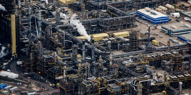 Steam rises from the Suncor Energy Millennium upgrader plant near Fort McMurray, Alta. on Sept. 10, 2018. Canada's oil industry has been shut out of the recent oil price rally, with oilsands product selling at a deep discount to global oil prices.