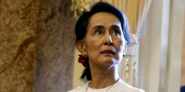 Canadian MPs have voted to revoke Myanmar leader Aung San Suu Kyi's honorary Canadian
