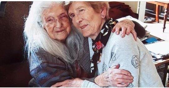 Ιρλανδή ετών 81 συναντά για πρώτη φορά την μητέρα της, ετών