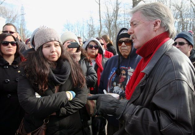 Sarnia Mayor Mike Bradley meets with people from Aamjiwnaang First Nation in Sarnia, Ont. on Dec. 23,