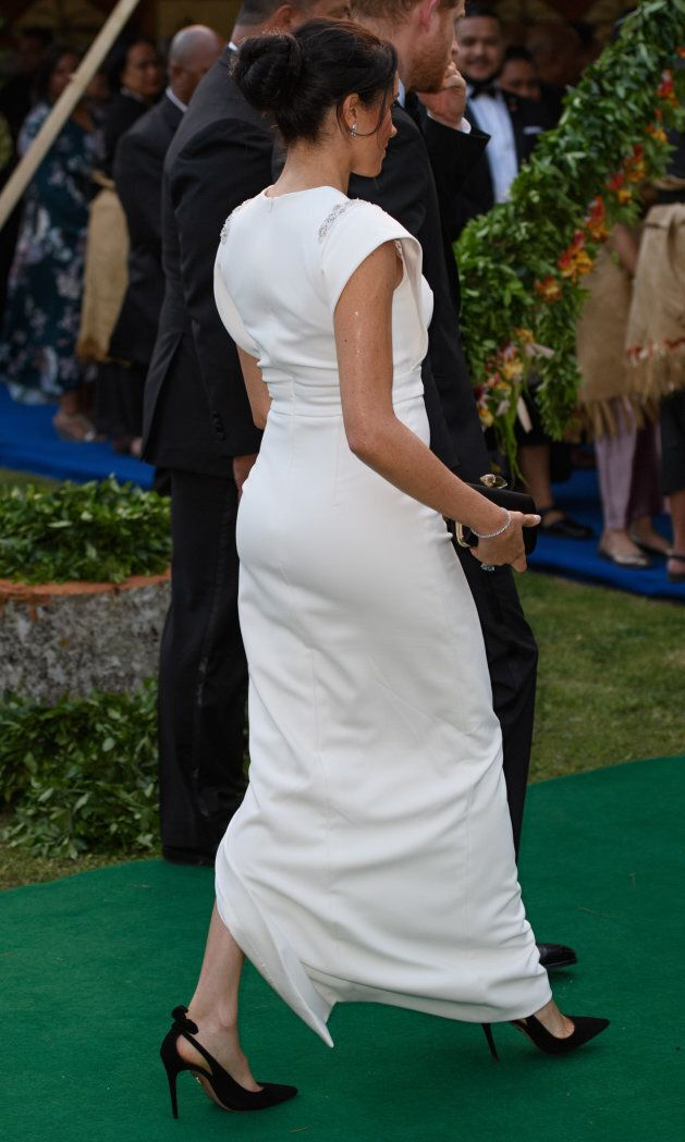 The duchess wears Princess Diana's cocktail ring on her right hand.