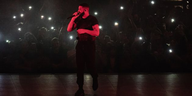 Drake performs on stage at the Tacoma Dome on November 1, 2018 in Tacoma,