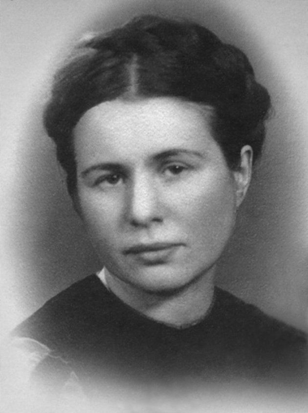 Irena Sendler saved approximately 2,500 Jewish children from the Holocaust.
