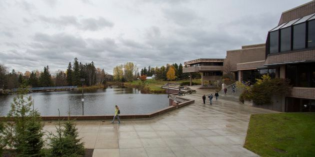 Students walk about the campus of Lakehead