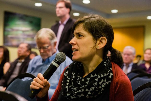 Tamara asks a question at the CPPIB Vancouver meeting on Nov. 26, 2018.