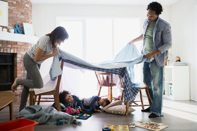 There are lots of easy (and free!) family activities to keep little ones busy.