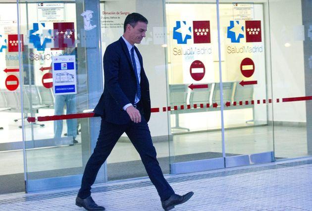Pedro Sánchez sale del hospital tras visitar a