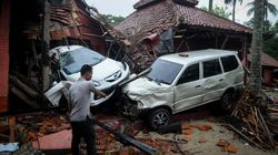 Tsunami Sweeps Indonesia Beach, Killing