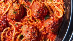 Making Spaghetti And Meatballs In The Slow Cooker Is A Genius
