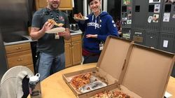 Canadian Air Traffic Controllers Buy Pizza For Shut-Down U.S.