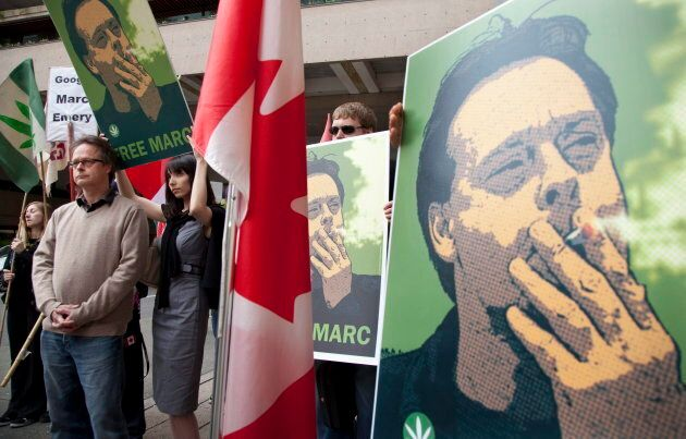 Marc Emery speaks to reporters outside the B.C. Supreme Court in Vancouver on May 10, 2010 before turning himself in to be extradited to the United States as his wife Jodie stands behind him. (Credit: Jonathan Hayward/Canadian Press)